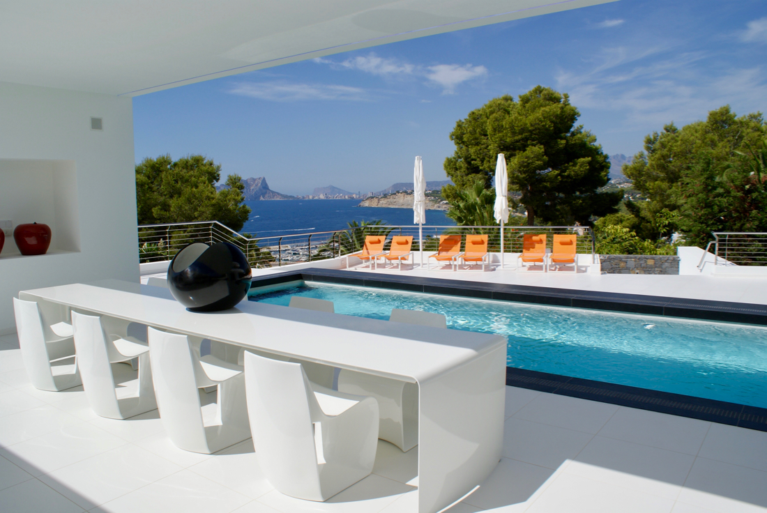 Properties for sale in Moraira on the Costa Blanca modern new construction, luxury villas, houses, villas, plots, apartments and penthouses