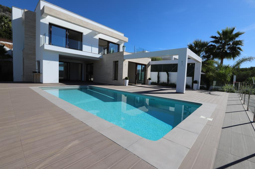 Modern villa for sale in Javea