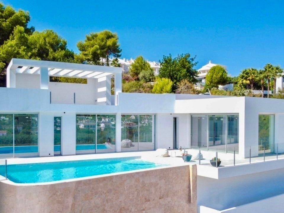 Moderne nieuwbouw villa te koop in Moraira in Solpark